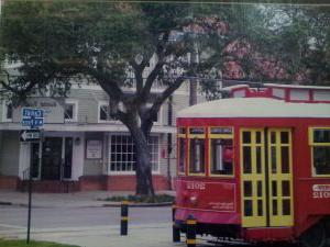 soniat-realty-external-front-with-streetcar
